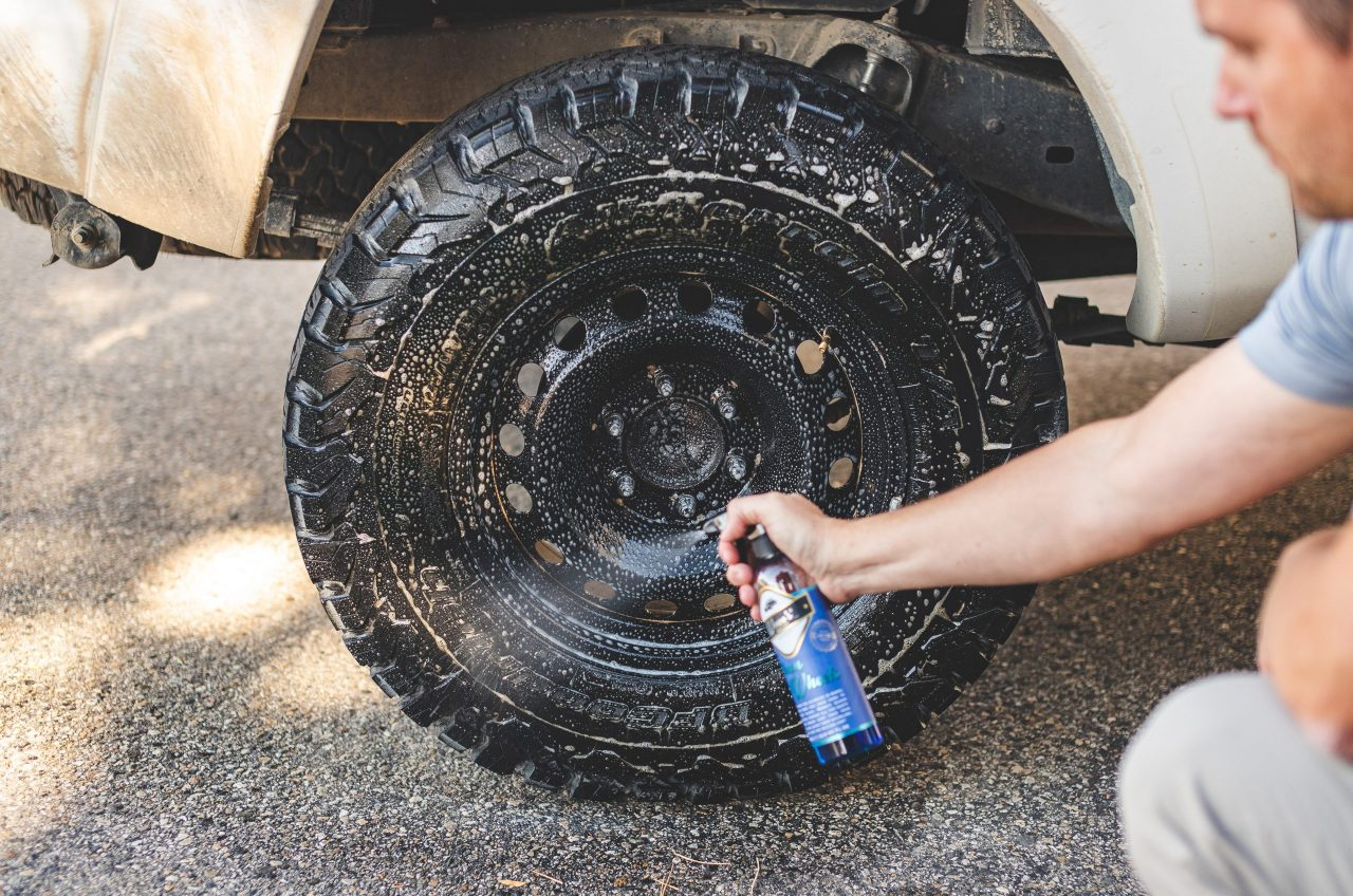 https://www.wowos.co.uk/wp-content/uploads/2016/06/wowos-500ml-clean-wheels-toyota-tacoma-tire-spray-scaled.jpg